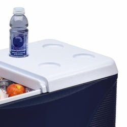 Rubbermaid cooler with wheels