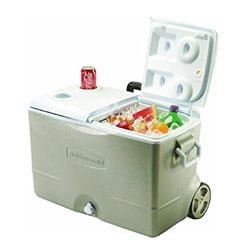 rubbermaid 50qt Wheeled Cooler